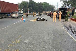 Người dân truy đuổi xe container tông chết người rồi bỏ chạy