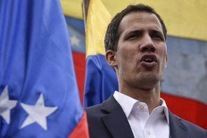 Chân dung người tự xưng Tổng thống lâm thời Venezuela