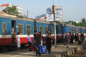 'Khan' vé dịp Tết: Hàng không chỉ còn vé thương gia, đường sắt chỉ còn ghế phụ