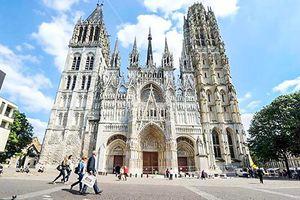 Mãn nhãn 5 nhà thờ nổi tiếng tại Pháp