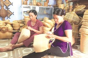 Tết đến, thăm làng mây tre đan Bao La