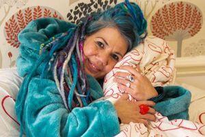 Người phụ nữ muốn kết hôn với chiếc chăn mùa đông