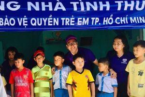 Các luật sư TPHCM mang tình Xuân đến phụ nữ và trẻ em nghèo