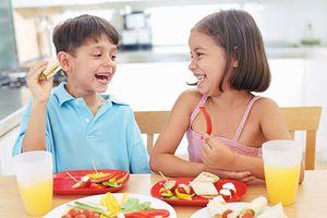 Cân bằng dinh dưỡng mùa Tết cho trẻ