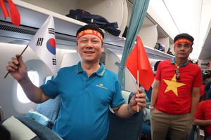 250 cổ động viên lên đường 'tiếp lửa' tuyển Việt Nam đá trận tứ kết Asian Cup