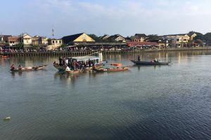 Quảng Nam: Một nhà 3 người mất tích sau khi lao ôtô xuống sông Thu Bồn
