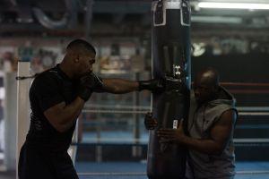 Quyền Anh: 'Xuống giá', AJ cơ bắp năn nỉ cả Fury giận dữ