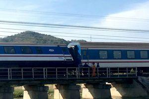 Hàng loạt chuyến tàu Tết đổi giờ chạy vì sự cố trật đường ray