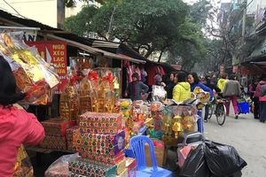 Đồ cúng ông Công, ông Táo ở chợ Hà Nội đồng loạt tăng giá