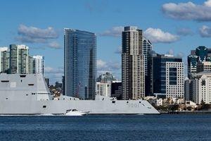 Mỹ đưa siêu tàu chiến 8 tỷ USD không vũ khí vào... trực chiến