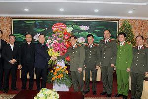 Tổng Giám mục Tổng giáo phận Hà Nội chúc Tết Công an thành phố Hà Nội