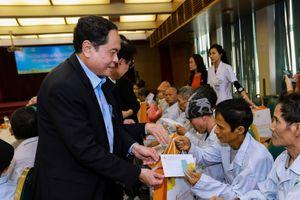 BẢN TIN MẶT TRẬN: Tết ấm lòng với bệnh nhân ung thư nghèo