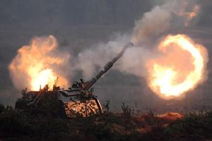 Biên giới Venezuela 'nóng bừng bừng', pháo Msta-S sẵn sàng khai hỏa