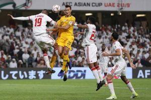 Ngăn CĐV Qatar vào sân cổ vũ, hoàng tử UAE 'chơi trội' khi mua toàn bộ vé vào sân
