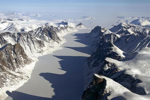 Bắc Cực nóng nhất trong 115.000 năm