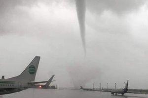 Vòi rồng 'đánh nát' phi cơ, sân bay ở Thổ Nhĩ Kỳ
