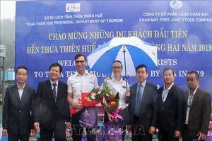 Đón những du khách quốc tế đầu tiên đến Thừa Thiên - Huế bằng đường hàng hải