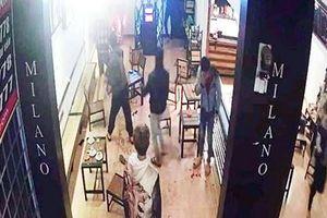 Hỗn chiến kinh hoàng tại quán cà phê, 6 thanh niên bị thương nặng, 1 người đứt lìa cánh tay