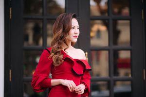 Mang Paris xuống phố Tết như Á quân 'Nữ hoàng hoa hồng' - MC Mai Anh Thư