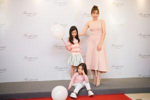 Lưu Hương Giang và hai con gái hóa nàng thơ nước Pháp xinh đẹp