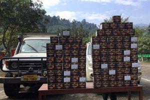 Phát hiện 2 xe ô tô chở gần 100 bánh pháo nổ trái phép từ Lào về Việt Nam