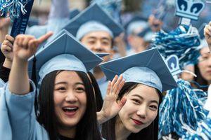 Rùm beng vụ việc sinh viên Trung Quốc nói tiếng mẹ đẻ tại Đại học Mỹ