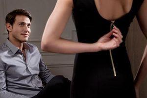 Vợ chung tình nhưng trai đẹp rình lúc chồng vắng nhà nên ... khó cưỡng