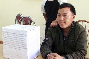 Người đàn ông bị bắt khi đeo balô 10 kg thuốc phiện đi bán