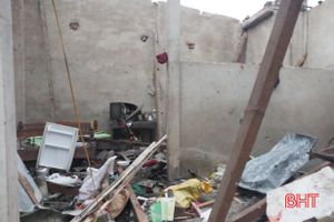 Nổ nhà dân ở Hà Tĩnh, 5 người thương vong