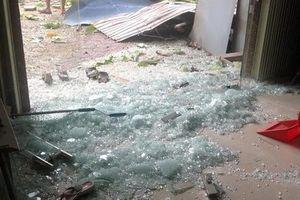 Nổ lớn tại nhà dân, 1 người chết, 4 người bị thương
