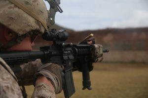 Thủy quân lục chiến Mỹ sắp được trang bị đạn 5.56mm 'xuyên vật cản'