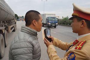 Sử dụng rượu, bia khi tham gia giao thông: Phạt nặng mới chừa