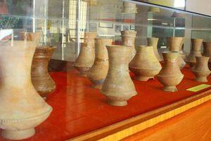 Trưng bày Bảo vật Quốc gia và hiện vật tàu cổ đắm trên vùng biển Quảng Ngãi