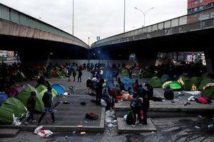 Cảnh sát Pháp 'xóa sổ' trại tị nạn giữa lòng thủ đô Paris