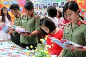 Tưng bừng Hội báo Xuân Kỷ Hợi 2019 tại các tỉnh phía Nam