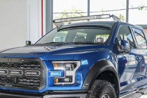 'Khủng long' bán tải Ford F-150 Raptor 2019 chốt giá 4,4 tỷ đồng