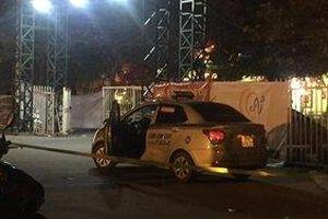 Trích xuất camera truy tìm đối tượng nghi cứa cổ tài xế taxi trước cổng sân vận động Mỹ Đình
