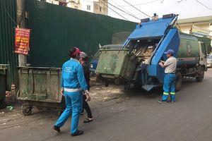 Cuối năm, lượng rác thải trong nội thành tăng đột biến