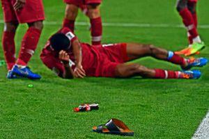 AFC điều tra hành vi ném giày dép của CĐV UAE vào tuyển Qatar