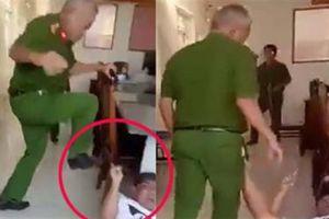 Trung tá dùng chân tác động vào nhân chứng: Lời khác