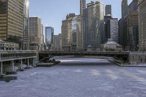 Xoáy cực ở Mỹ: Chicago lo sợ 'băng chấn'