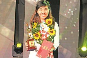 Giảng viên trẻ nhận giải thưởng Quả cầu Vàng