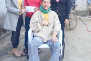 Hà Tĩnh: Hơn 100 triệu đồng đến với hai em nhỏ có bố ốm liệt giường