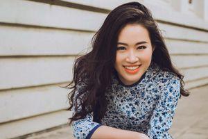 Á khôi Miss Photo Thạch Thảo đón xuân với áo dài đậm chất Sài Gòn xưa