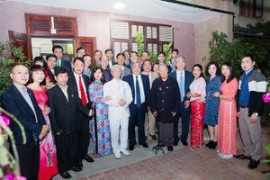 Chúc Tết GS, Anh hùng lao động Vũ Khiêu và ông Vũ Oanh, lão thành cách mạng