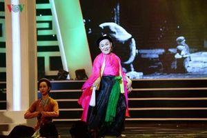 Tết Việt 2019: Phục dựng chiếu chèo sân đình và hát cửa đình