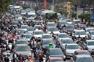 Ùn tắc giao thông ở nhiều tuyến phố Hà Nội dịp cận Tết