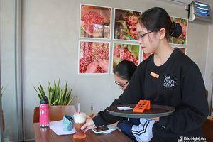 Sinh viên Nghệ An kiếm thêm thu nhập dịp Tết