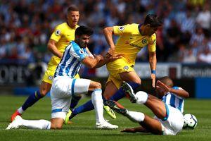 Chelsea vùi dập Huddersfield 5-0, Maurizio Sarri cởi bỏ áp lực