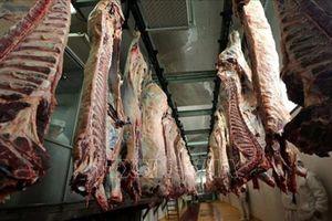 Phát hiện thịt bò 'bẩn' từ Ba Lan được chế biến thành xúc xích